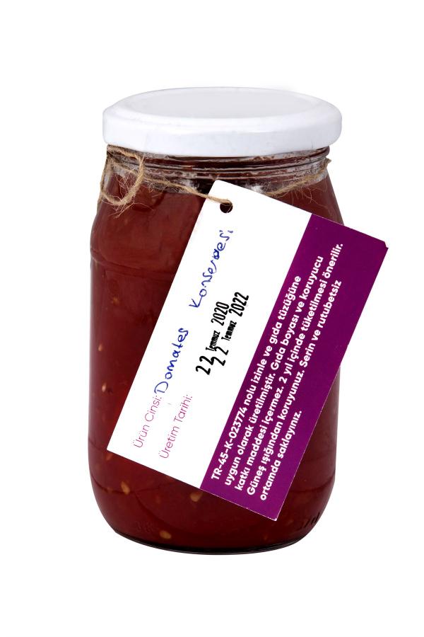 kabuğu soyulup elde doğranan Dindarlı domateslerinden el yapımı doğal domates konserversi. 10dangelsin.com'da deneyin.