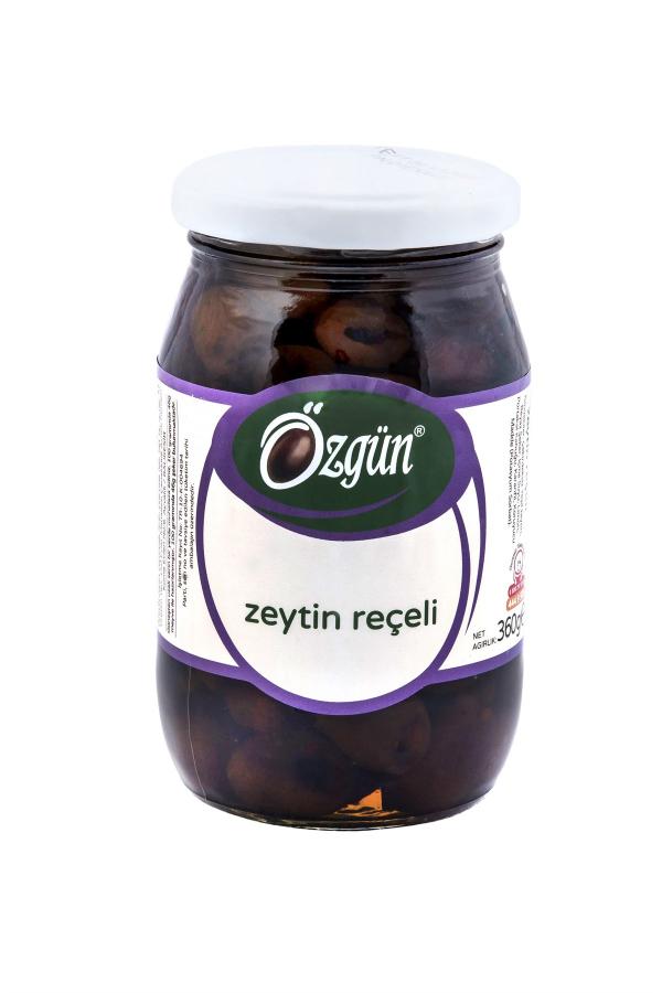 çekirdeği çıkartılan zeytinlerin portakal kabuğu ve karanfille birlikte kaynatılmasıyla hazırlanan doğal zeytin reçeli 10dangelsin.com'da.
